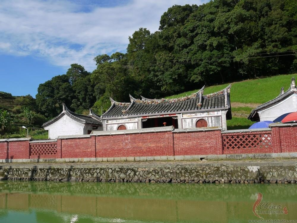 Tianluokeng Tulou Clusters and Ancient Taxia Village