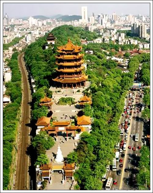 Wuhan is a big city of China,it's prosperity and has many beautiful sightseeings
